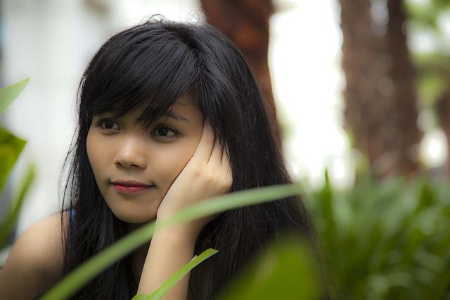girl-526716_640